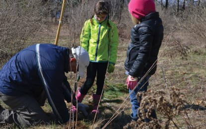 Volunteers spruce up Pine Bush Preserve