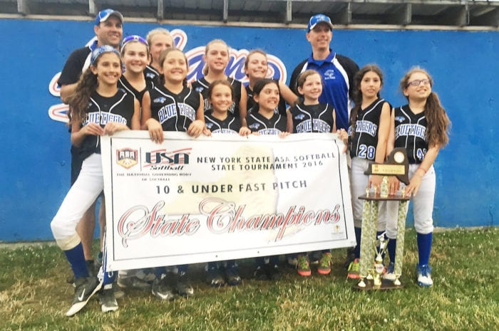 Latham Blue Tigers win state softball title