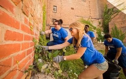 Incoming UAlbany freshmen start school year in service to their community
