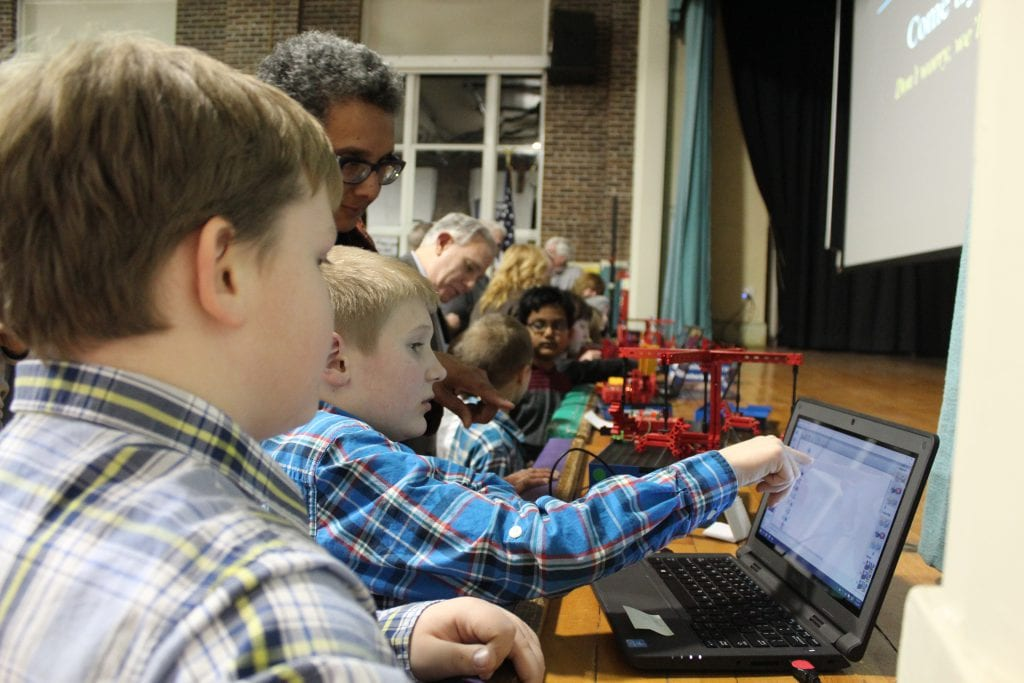 Hi, Robot | Elsmere Elementary pilots new robotics program