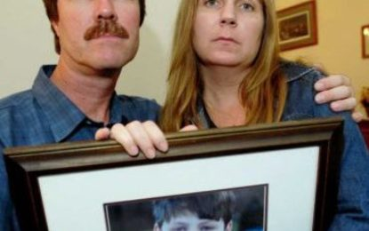 10 years after Jonathan Carey's death, his father fights on