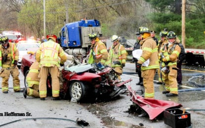 (UPDATED w/victim IDs) One dead, one injured in Selkirk crash