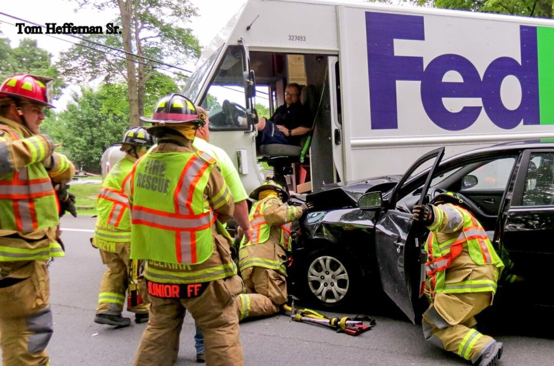 FedEx truck t-boned on River Road