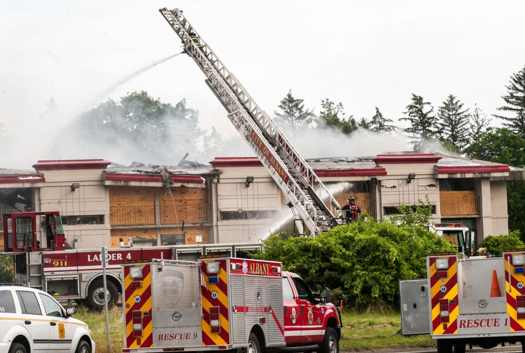Former Howard Johnson on 9W destroyed by fire (with photo gallery)