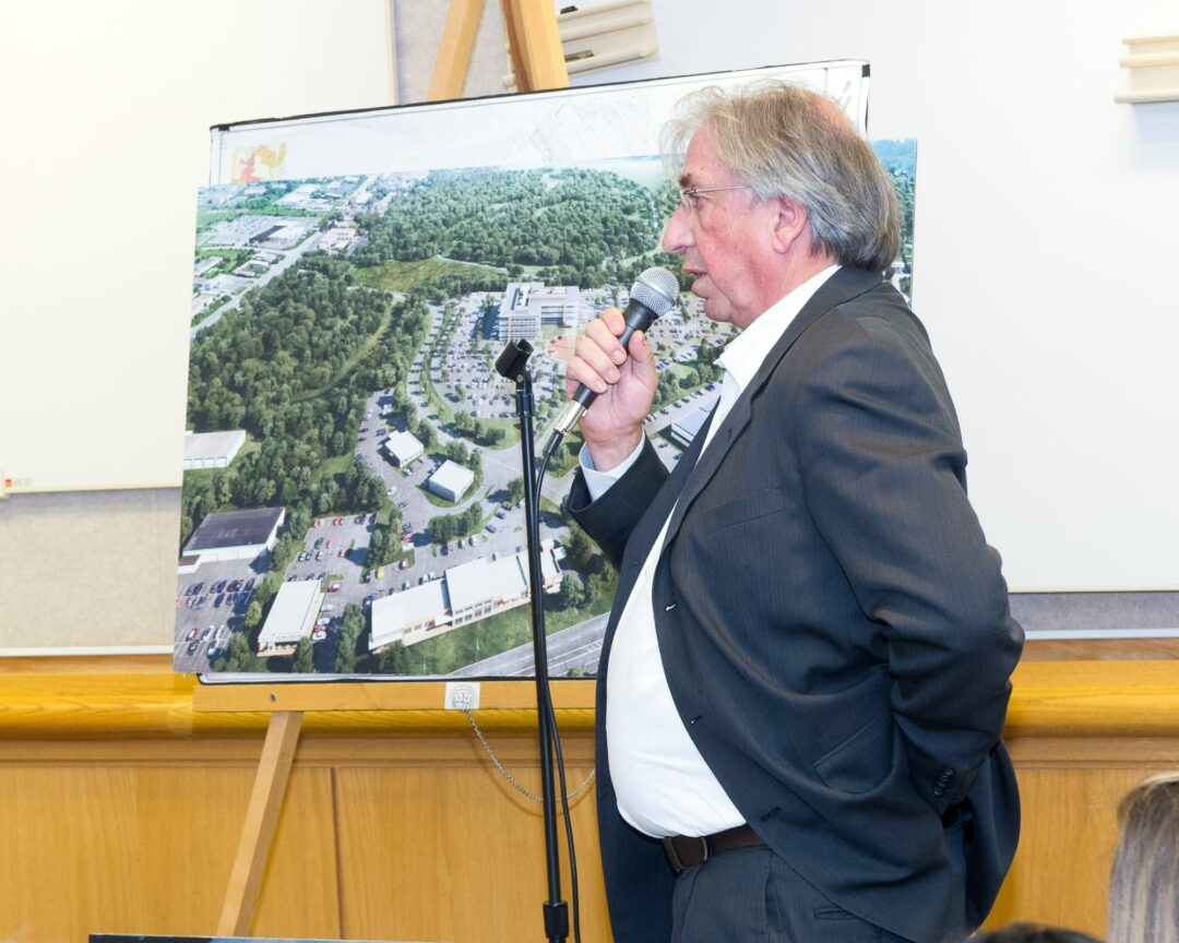 Developers pitch 150,000-square-foot office building at old Starlite site