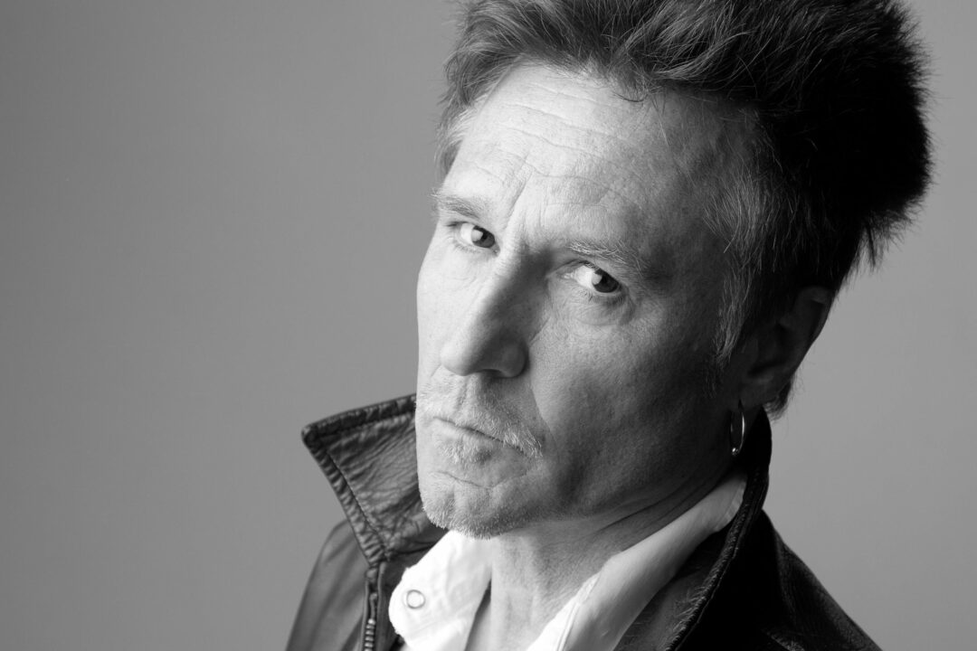 Revisiting John Waite with a new, acoustic flair
