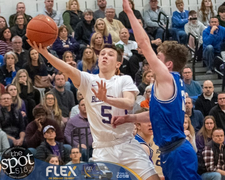 SPOTTED: Voorheesville keeps composure, beats Hoosic Valley in Class C action