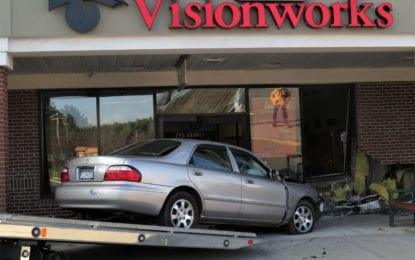 Car crashes into Visionworks in Slingerlands
